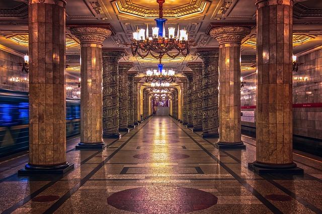 gare de métro, le lieu de l'attente par excellence